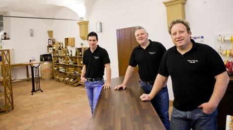Das Team vom Stadtweingut